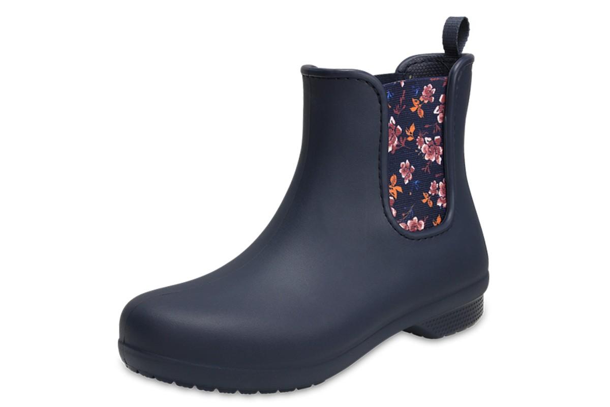 crocs freesail chelsea flat ankle boots navy floral kissshoe