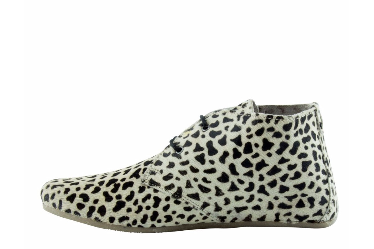 Maruti Gimlet Hair On Leather Cat White Black Women's Ankle Boots