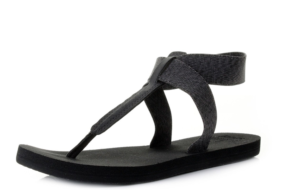 Reef Cushion Moon Black Women's T Bar Flat Sandals