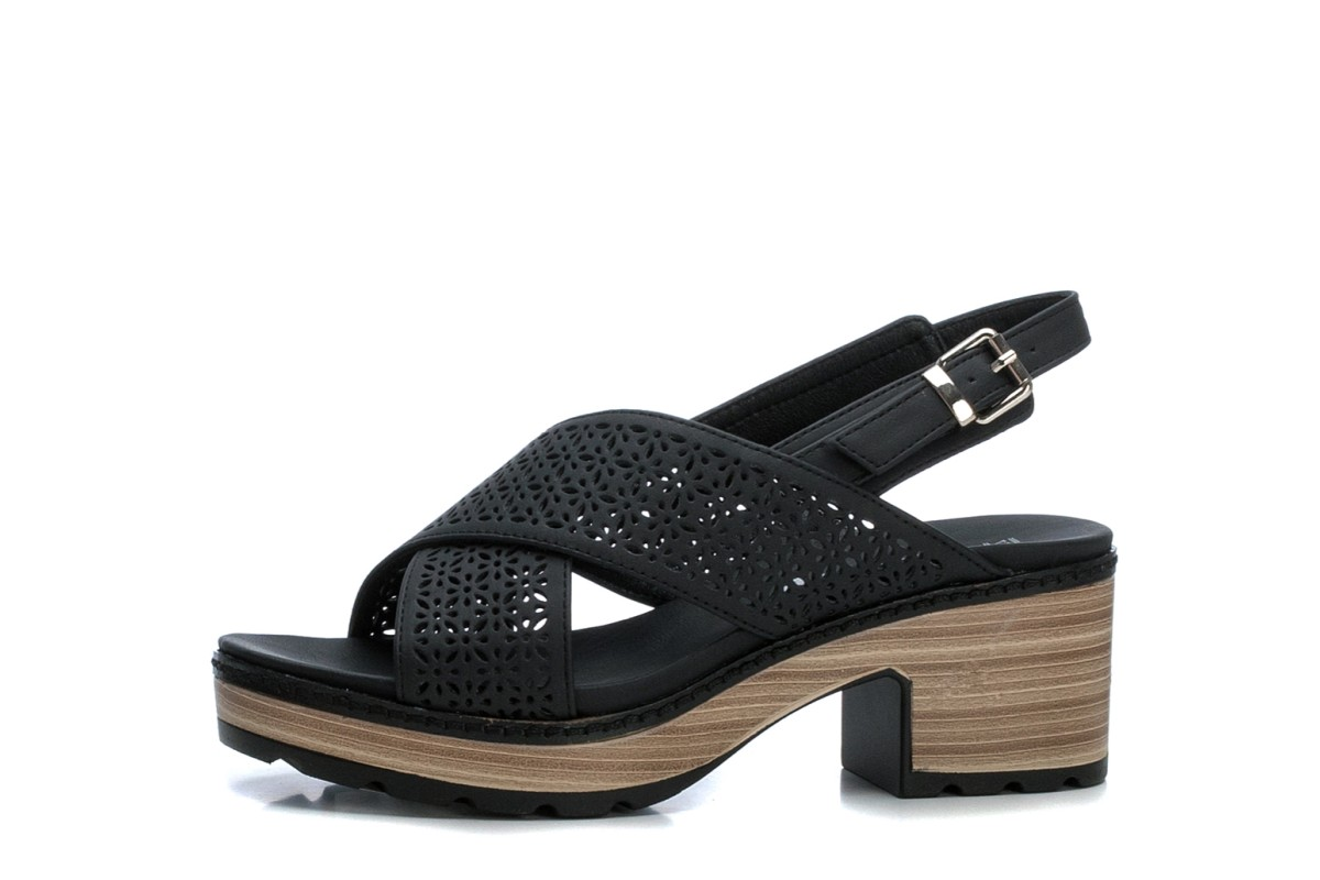 Refresh 69501 Black Faux Leather Cross Strap Block Heel Sandals